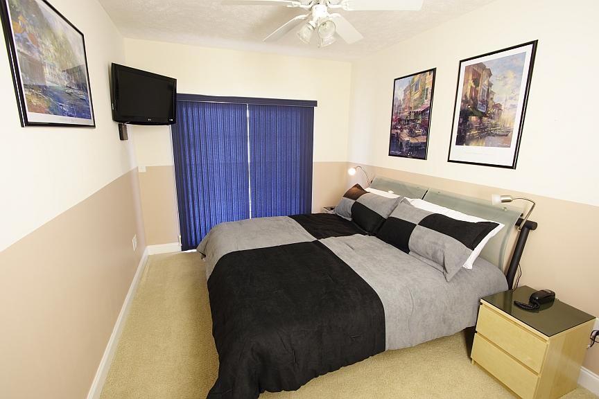 suite balcony bedroom 5 two double beds upstairs left en suite bedroom